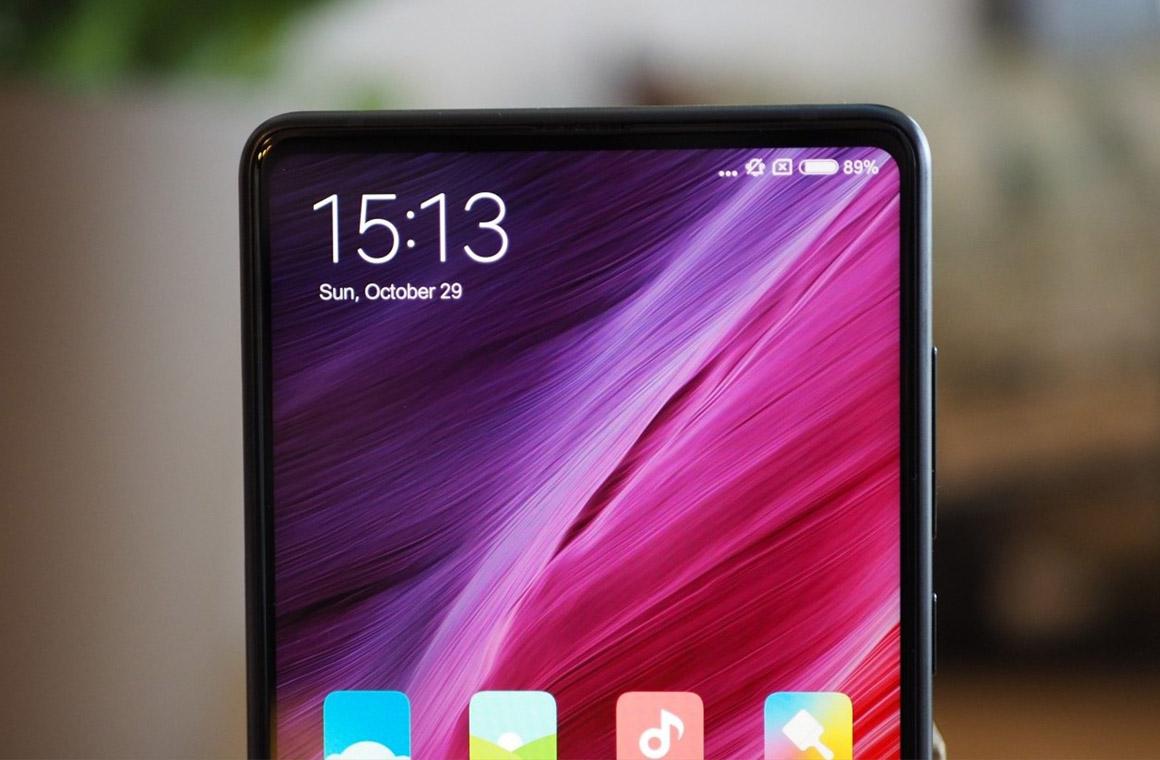 Cмартфон Xiaomi Mi Mix 3 получил обновление прошивки