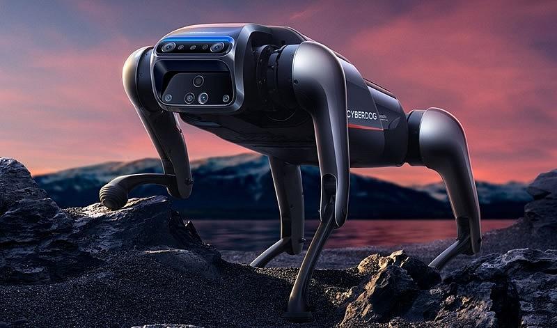 Новый гаджет оснащен рядом камер, микрофонов и различных датчиков, что обеспечивает возможность пространственного восприятия