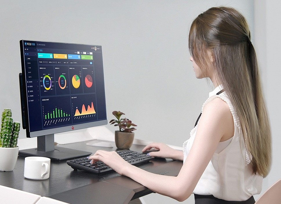 Моноблок Xiaomi Ningmei CR600 одинаково хорошо подходит для игр, развлечений и работы