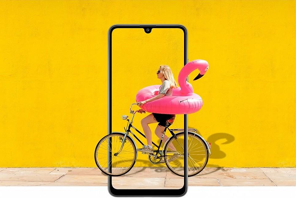 Новинка Samsung Galaxy A32 с емкой батареей 5000 мА/ч и необычным дизайном квадрокамеры