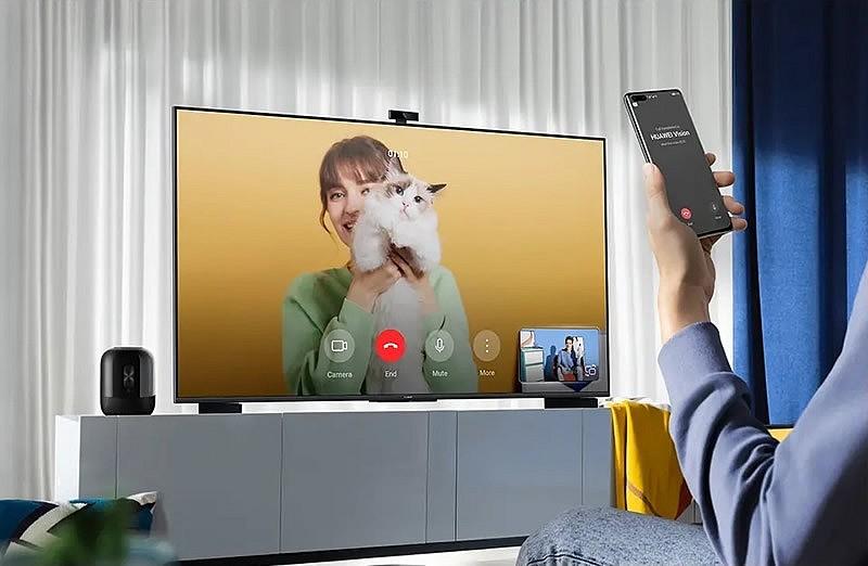 На устройства Huawei Vision S, поставляемые в Россию, предустановлены сервисы Салют от Сбербанка