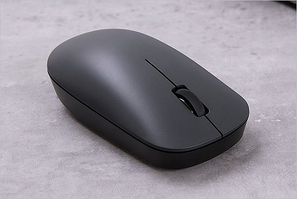 Беспроводная мышка Xiaomi Mi Wireless Mouse Lite в минималистичном дизайне