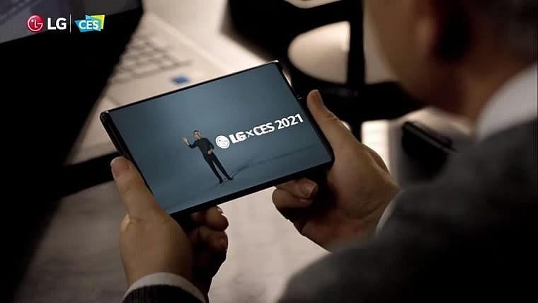 """Смартфон с """"уникальным изменяемым размером дисплея"""" LG Rollable"""